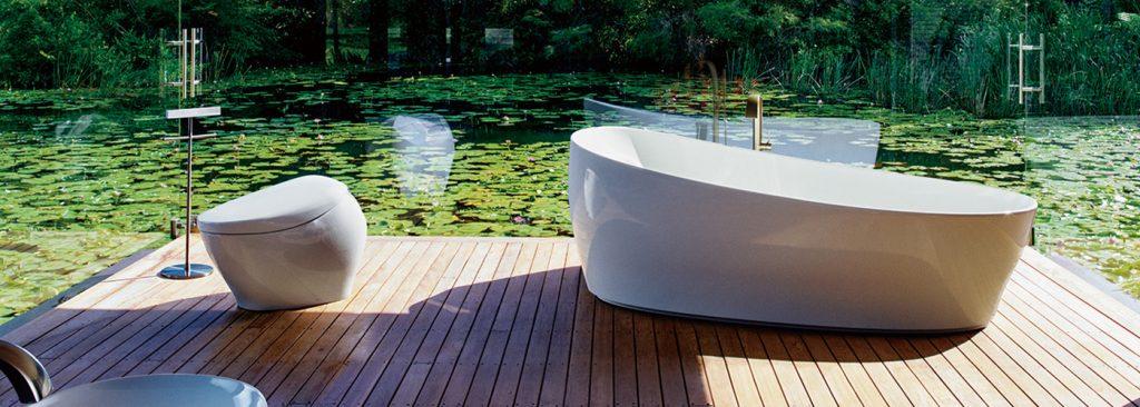 TOTO Australia bath and toilet